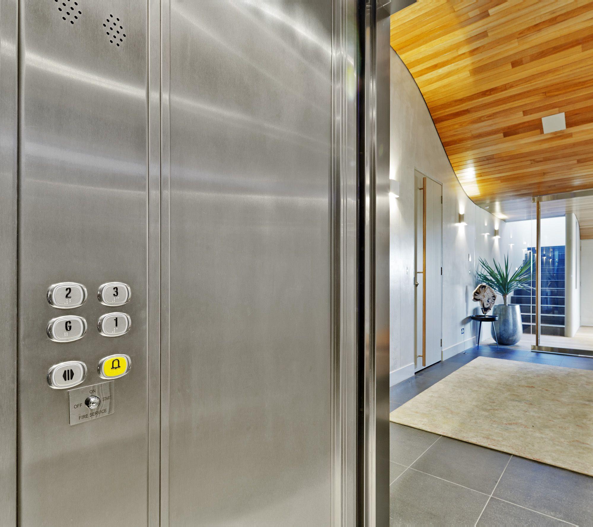 Квартира в лифте в картинках