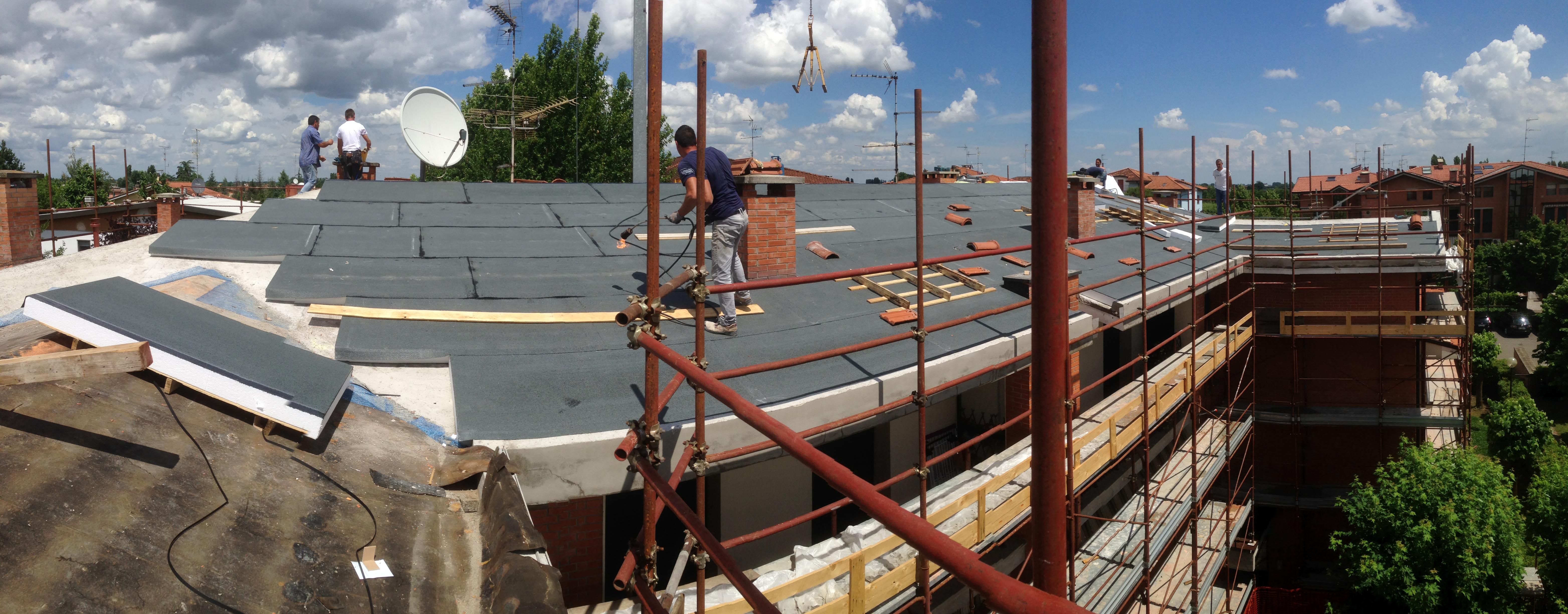 Manutenzione straordinaria delle coperture. Nuovo isolamento termico. San Pietro in Casale (Bo)