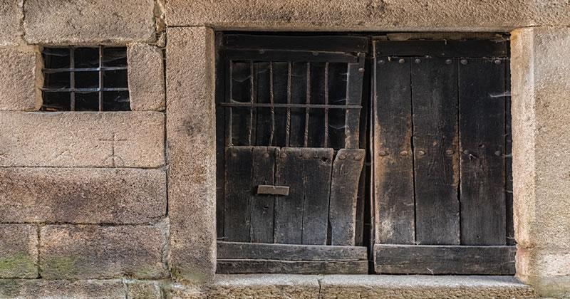 Modifica aperture esterne edificio: quale titolo edilizio è necessario?