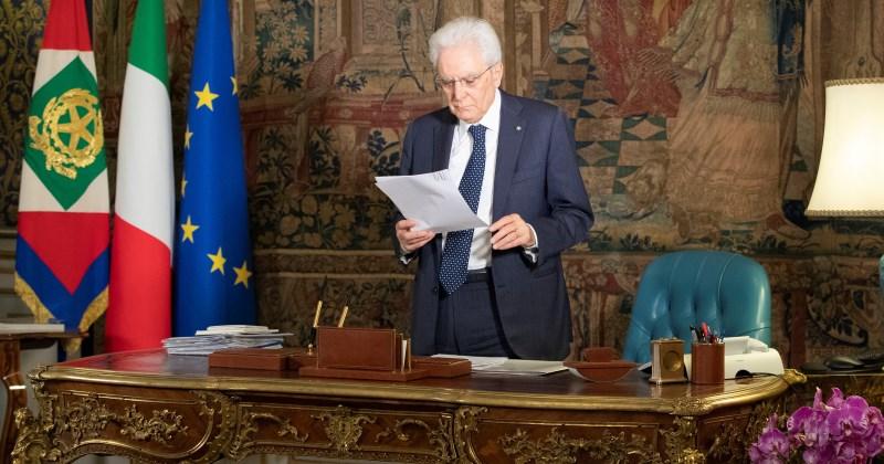 """Il Presidente della Repubblica Sergio Mattarella firma con rilievi la legge di conversione del """"dl semplificazioni"""""""