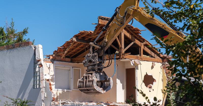 Abusi edilizi: demolizioni più veloci dopo il Decreto Semplificazioni