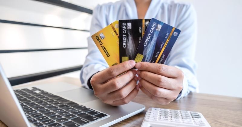 Agenzia delle Entrate: Dall'1 luglio bonus a chi accetta pagamenti elettronici e stop a contante oltre 2.000 euro