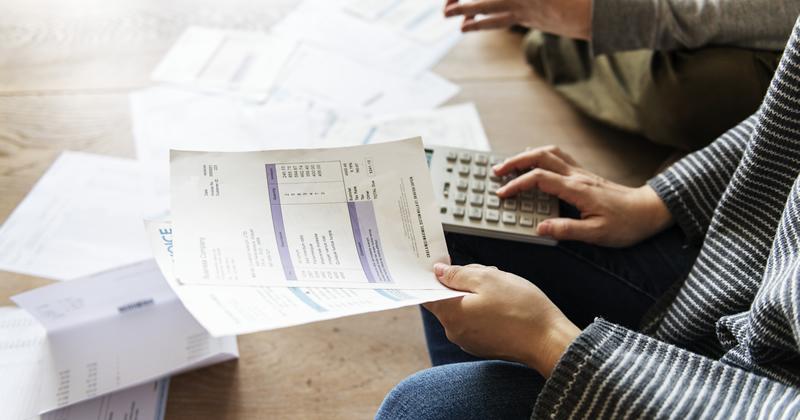 Detrazioni fiscali e credito d'imposta: cosa accade se la fattura non riporta il riferimento normativo?