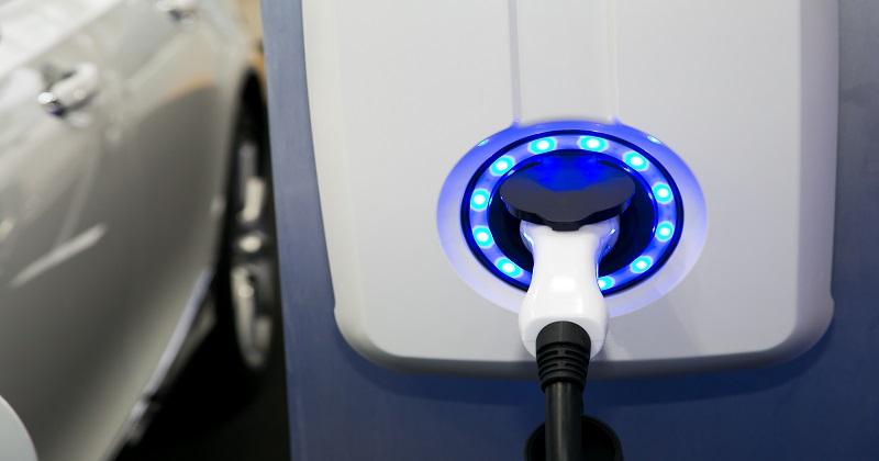 Integrazione tra i veicoli elettrici e la rete elettrica: Pubblicato il decreto