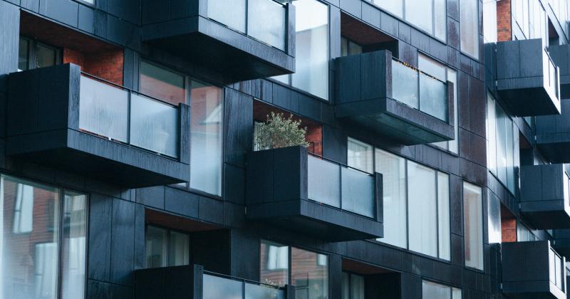Superbonus 110% e isolamento termico: possibile la sostituzione delle vetrate esterne con una parete in muratura?