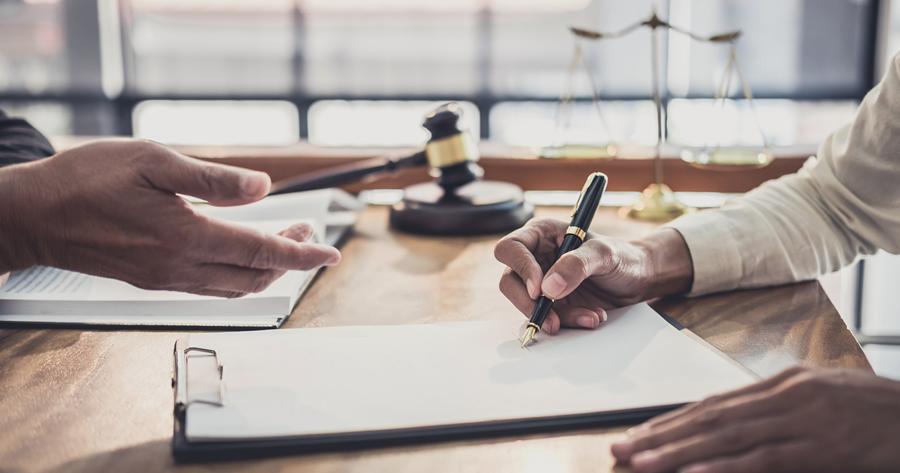 Appalto integrato: l'irregolarità fiscale del progettista giustifica l'esclusione?