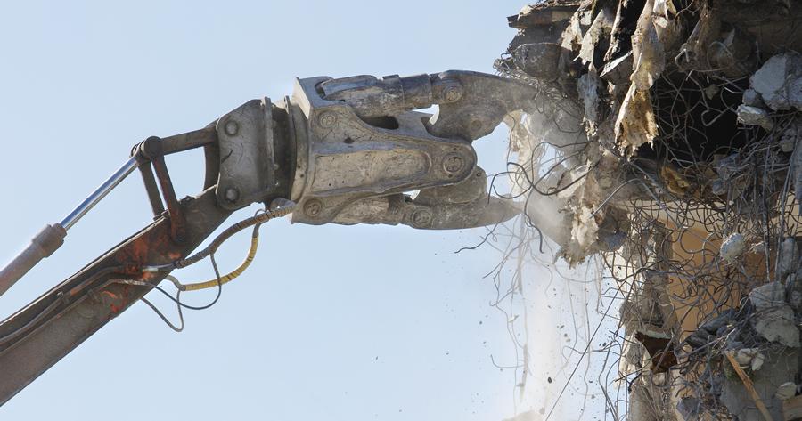 Demolizione opere abusive: ridotto il contributo per gli interventi