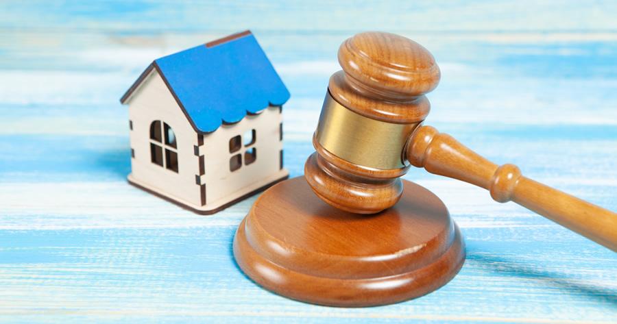Abusi edilizi, demolizione d'ufficio e sanzione alternativa: interviene il TAR