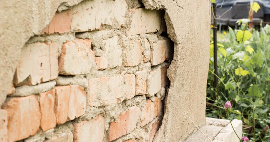 Edifici pericolanti e mancata messa in sicurezza: cosa accade?