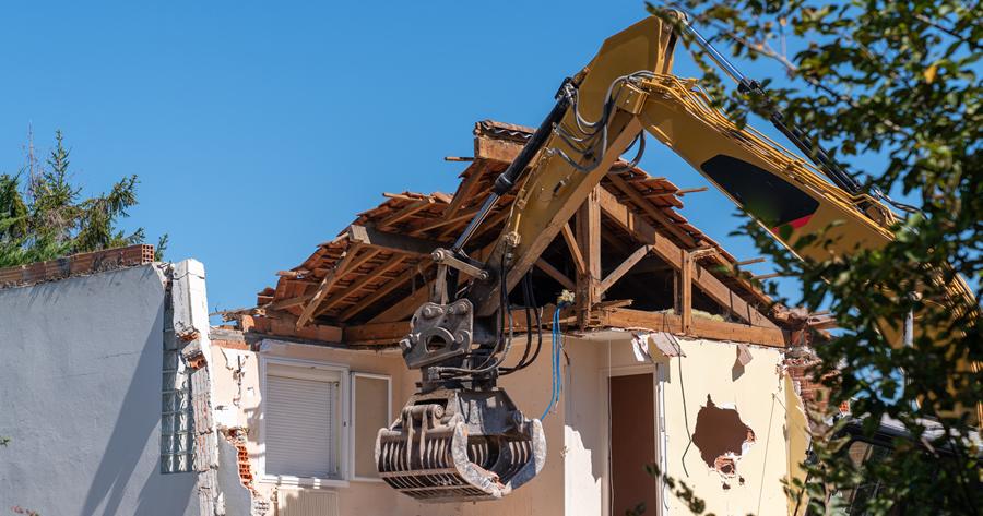 Abusi edilizi: 4 condizioni per la revoca della demolizione