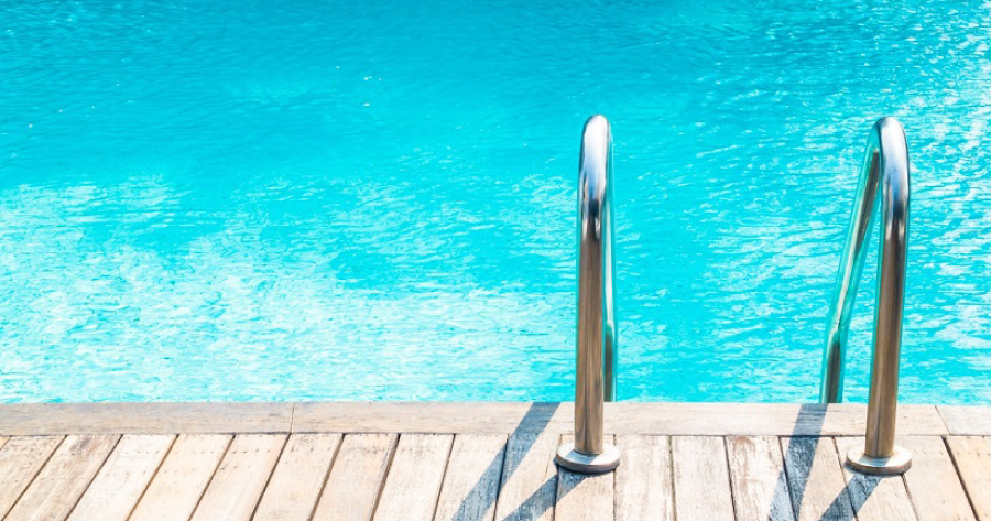 Costruzione piscina: basta una SCIA?