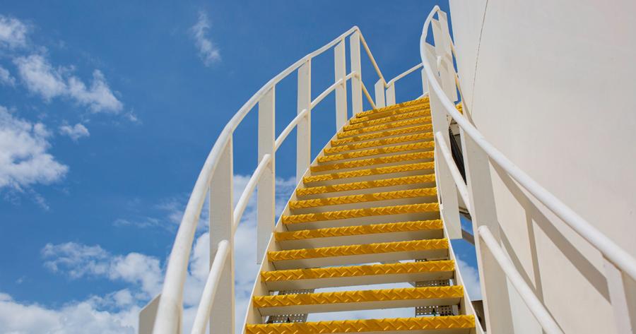 Distanze legali costruzioni: valgono anche per le scale?