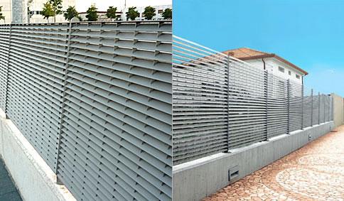 Simple recinzione frangisole in grigliato verticale e for Recinzione economica fai da te