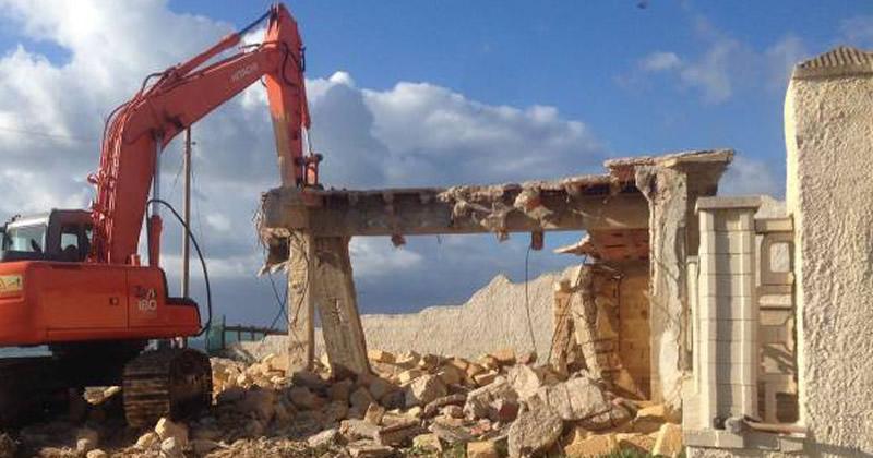 Abusivismo edilizio e demolizioni: a che punto siamo?
