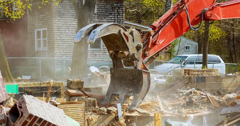 Abusivismo edilizio, Anci: 'Più risorse per la demolizione delle opere abusive'