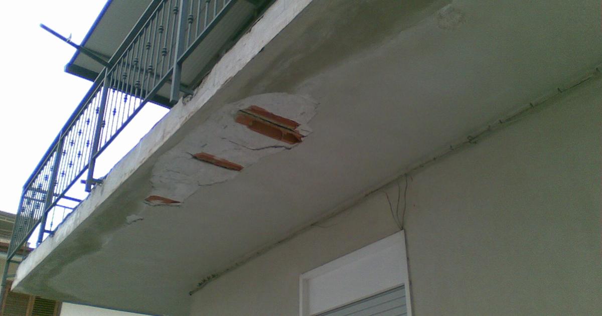 Condominio, balconi aggettanti proprietà esclusiva del privato