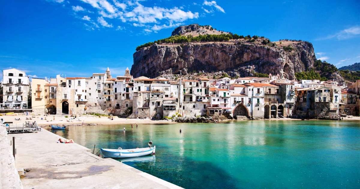 Casa nei borghi più belli d'Italia: Può servire più del doppio rispetto al prezzo medio
