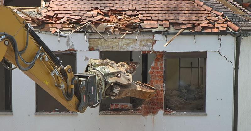 Finanziaria 2018: Fondo di 10 milioni di euro per la demolizione di opere abusive