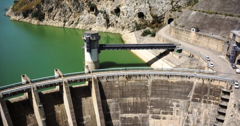 Mit: Avviata una ricognizione sullo stato di salute di opere viarie e dighe