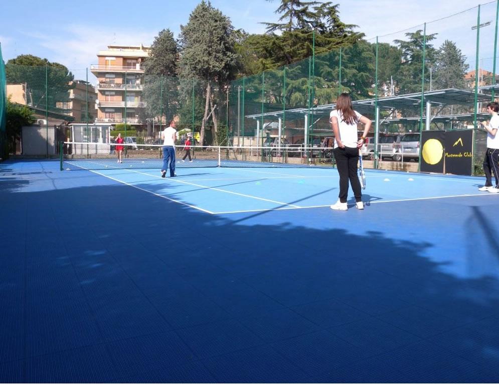 Pavimenti polivalenti per uso sportivo: caratteristiche e vantaggi
