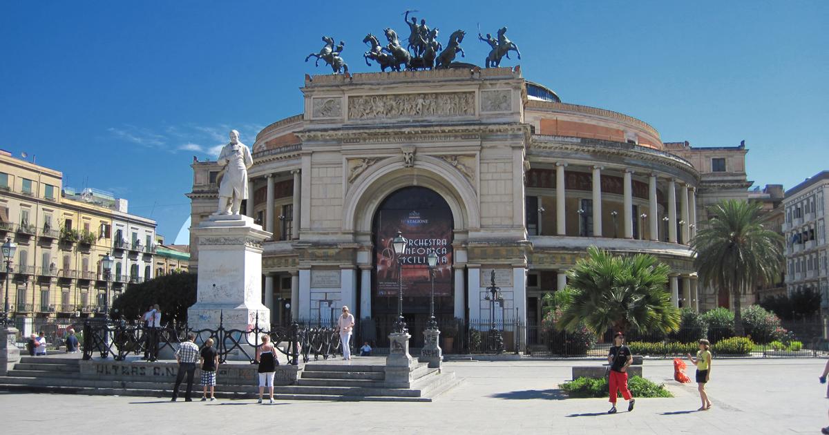 Comune di Palermo, un Concorso per il sistema di risalita della fermata in Piazza Politeama!