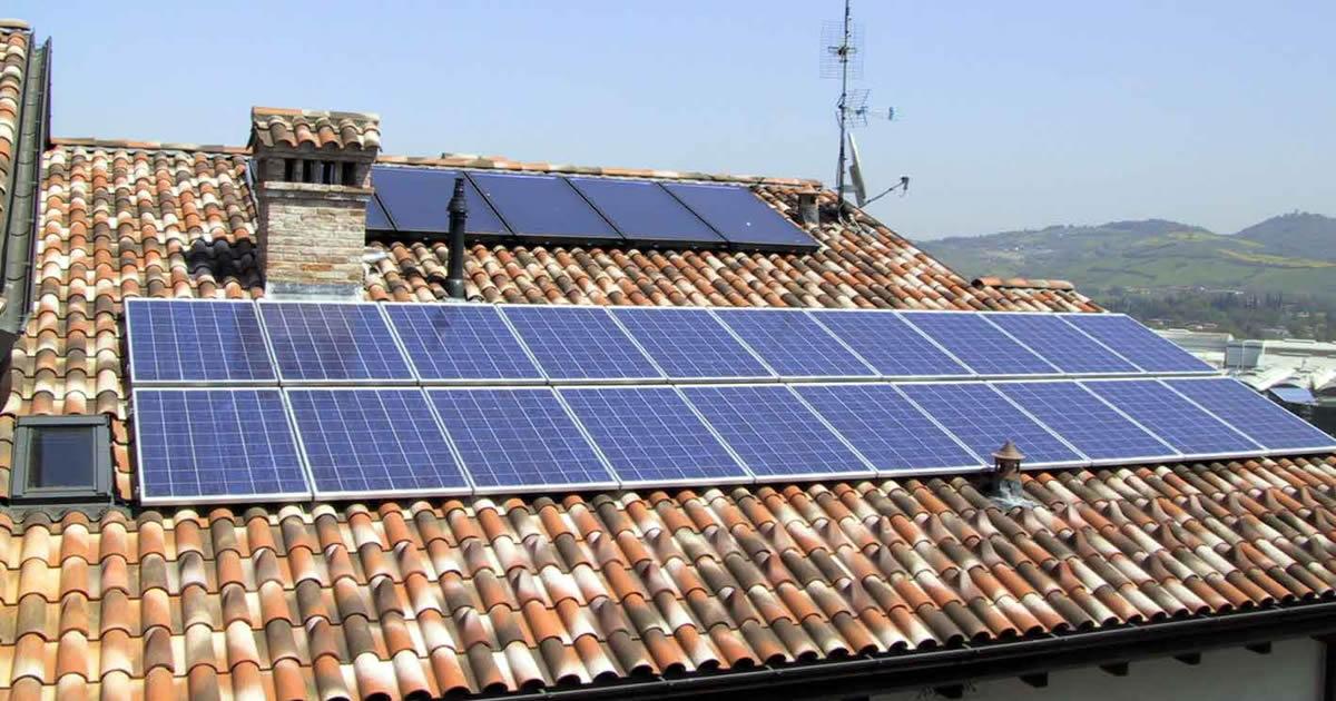 Piccoli impianti fotovoltaici: operativo il modello unico