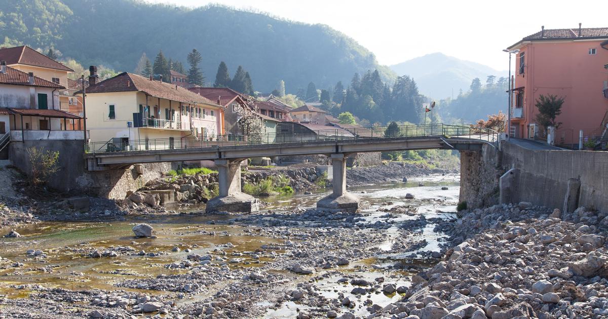 Tutto pronto per il nuovo ponte sul torrente Scrivia a Montoggio