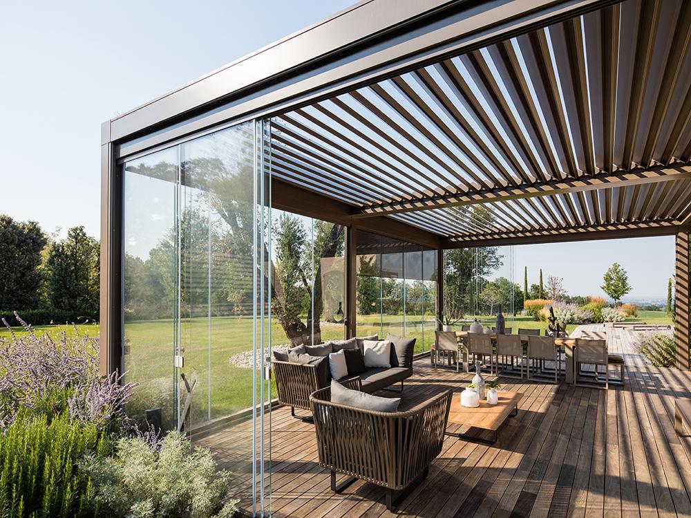 Pergola bioclimatica completamente in alluminio - Opera - Richiesta ...