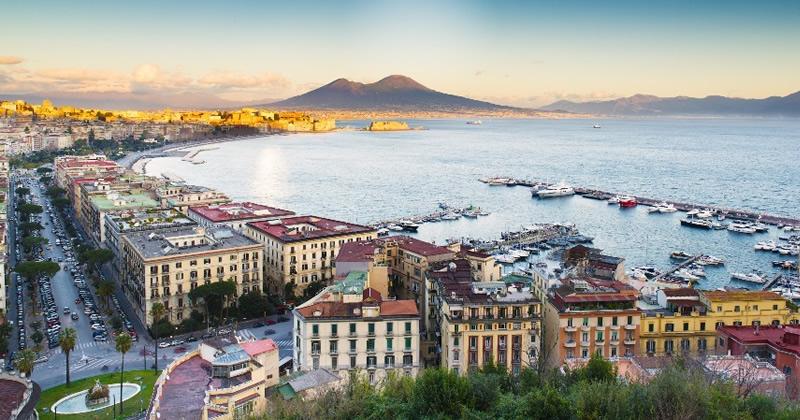 Mercato Immobiliare Napoli: giovani coppie e famiglie puntano sul mattone
