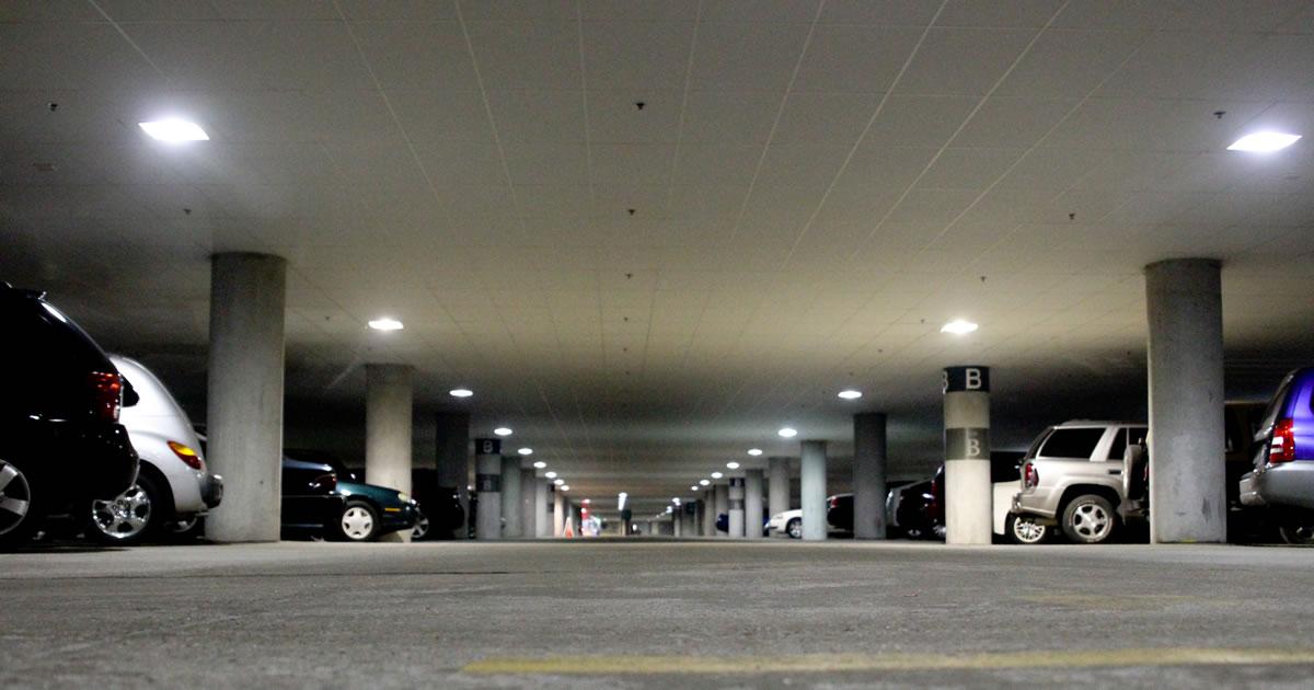 Realizzazione di un parcheggio sotterraneo pubblico presso la Scuola Elementare K.F. Wolff di Bolzano