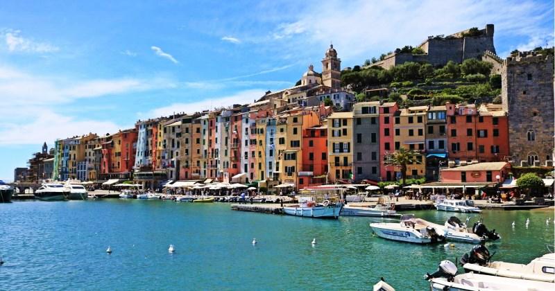 Aumentano gli stranieri che acquistano la casa vacanza attratti dai borghi e dalle case tipiche