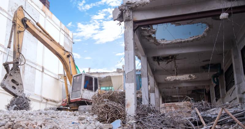 Abusi edilizie e Ordine di demolizione, nessun obbligo di verifica di sanabilità