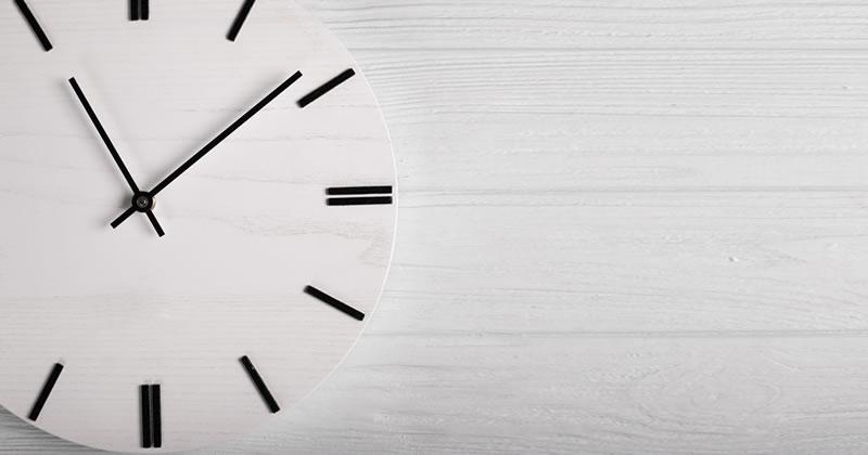 Soccorso istruttorio, calcolo della soglia di anomalia e principio di invarianza: in quale momento temporale si cristallizzano le offerte?